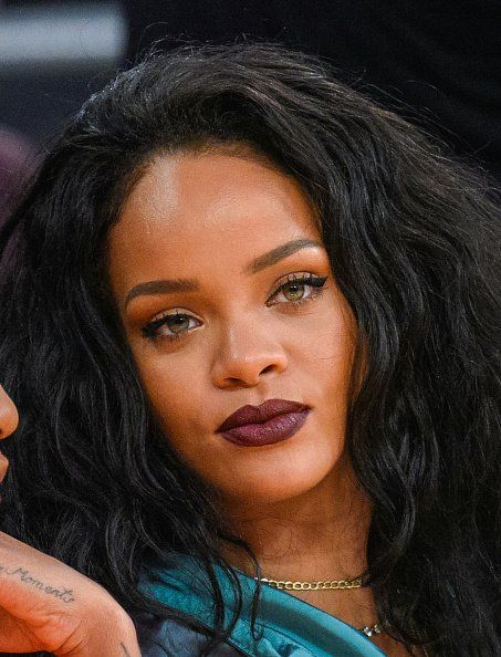 The Los Angeles Lakers Game - January 15, 2015 - 0012 - Rihanna Daily Photo Gallery - 24/7 Source for Miss Rihanna