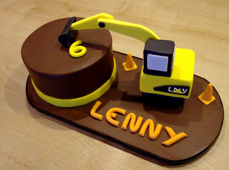 Cake design. Gâteau personnalisé en pâte à sucre sur le thème Chantier, pelleteuse. Sugar paste onstruction themed cake with digger by Les Délices de Marion.