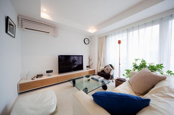 柔らかな白いリビング空間(富ヶ谷の住宅) - リビングダイニング事例 SUVACO(スバコ)