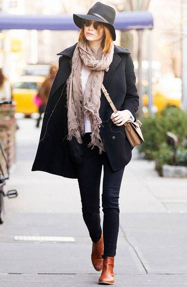 emma-stone-street-style-coat-hat-boots