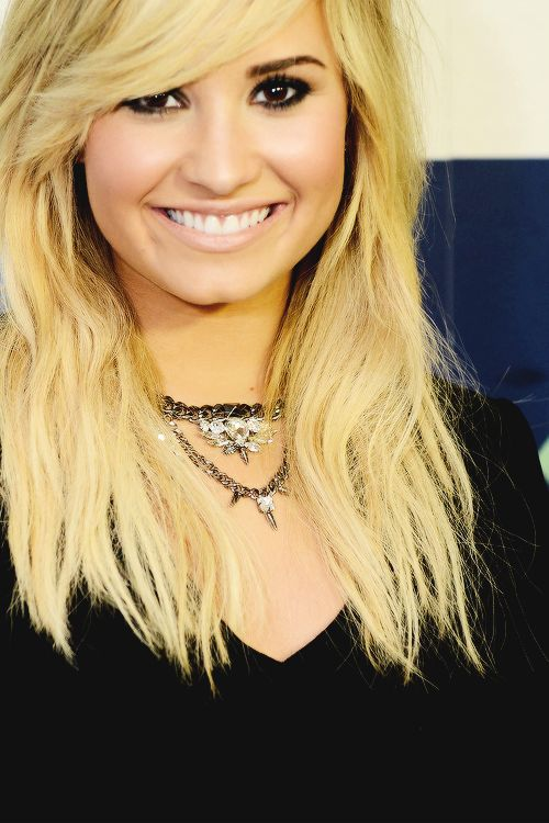 137 best Demi Lovato! images on Pinterest | Artists, Celebs and Hair ...