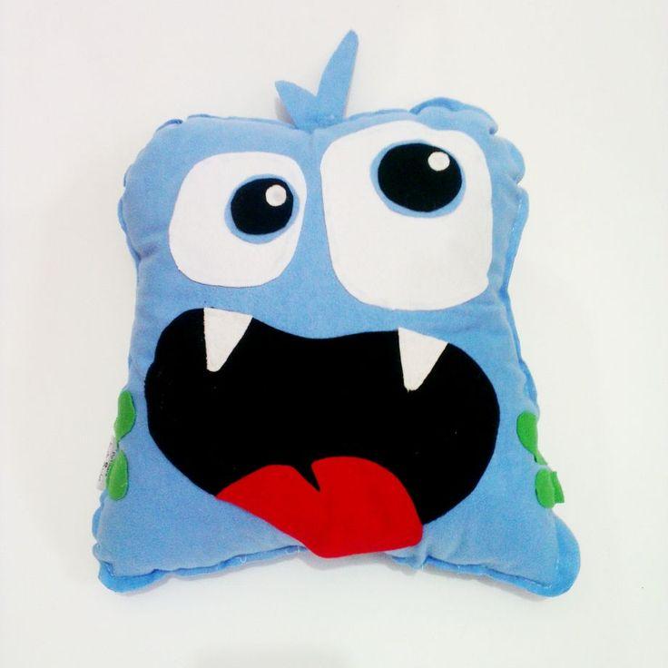 Mavi Canavar Yastık Zet.com'da 30 TL #canavar #yastık #pötikare #elyapımı #zetcom #potikarebutikatolye #handmade #handmadepillow #pillow #monster