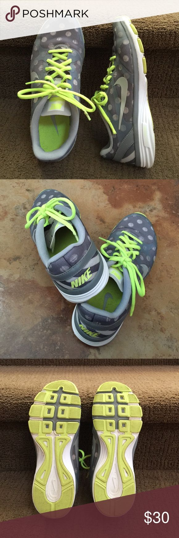 Nike Dual Fusion running shoes Nike dual fusion running shoes in grey and green polka dot, lightweight, soft and cushioned. Really cute! Used but in good condition. Nike Shoes Athletic Shoes