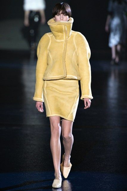 Mugler - www.vogue.co.uk/fashion/autumn-winter-2013/ready-to-wear/mugler/full-length-photos/gallery/944362