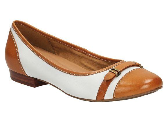 Baleriny CLARKS HENDERSON BIRD  http://www.bestsport.com.pl/produkt,CLARKS-HENDERSON-BIRD--26108047-,26108047D,4191  Marka:Clarks Symbol:26108047D Płeć:Kobieta Dyscyplina:CLARKS 2015   #buty #obuwie #skóra #baleriny #clarks #bestsport