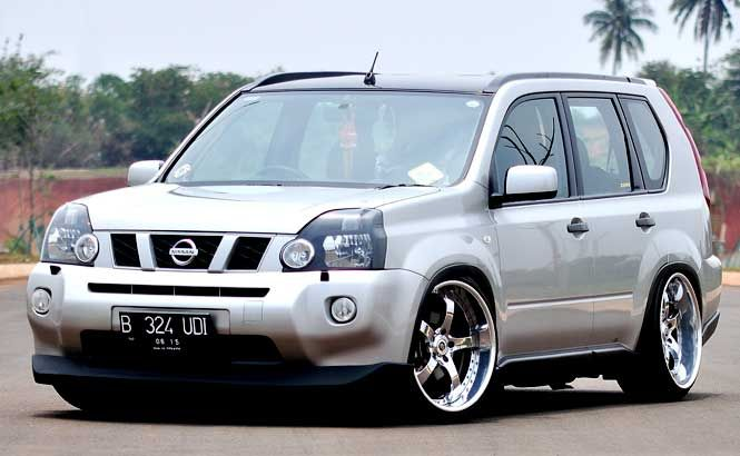 Modifikasi Nissan X Trail 2.0 Silver