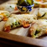 This sounds (and looks ) mighty tasty.  Jalapeño Cheddar Scones | The Pioneer Woman Cooks | Ree Drummond