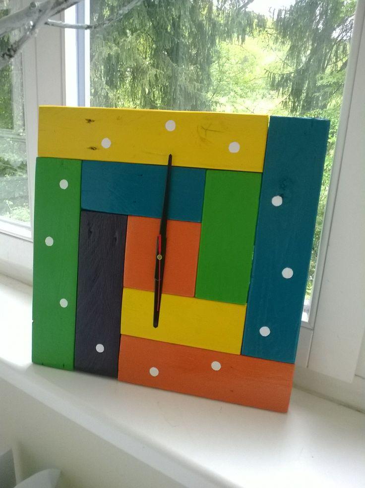 Pallet idea. Pallet wall clock