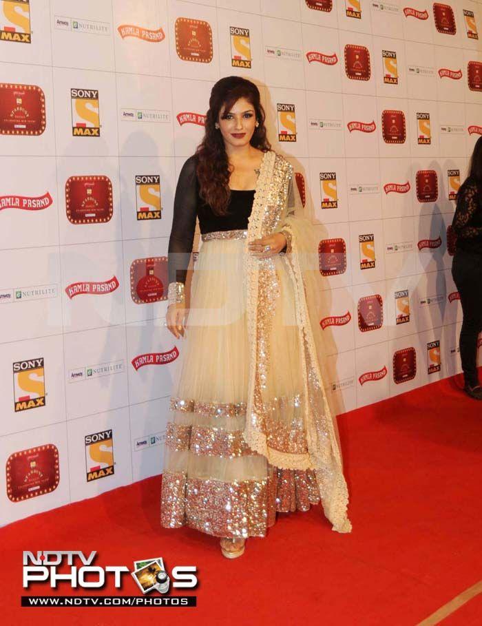 Raveena Tandon kept her company in a Manish Malhotra anarkali.