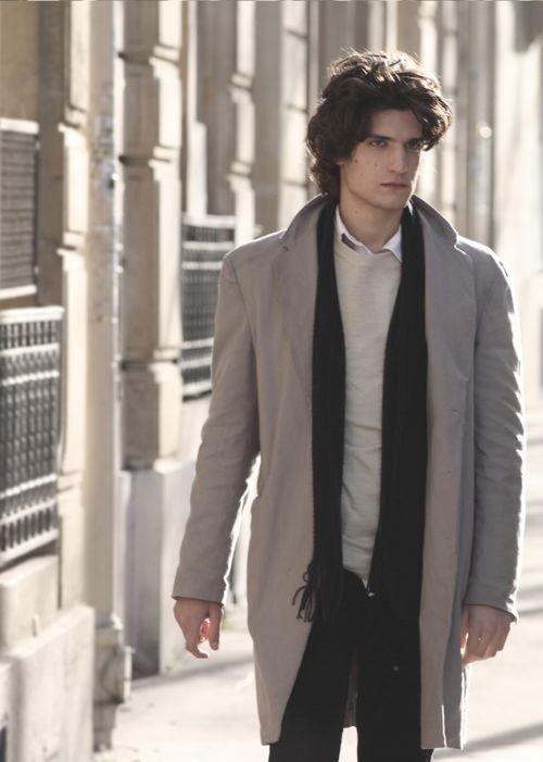 louis garrel...J'adore! un bel homme!!