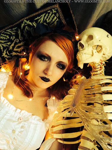 Skeleton Valentine by gloomth, via Flickr Model Syringe posing with Basil the skeleton Nightdress by Gloomth