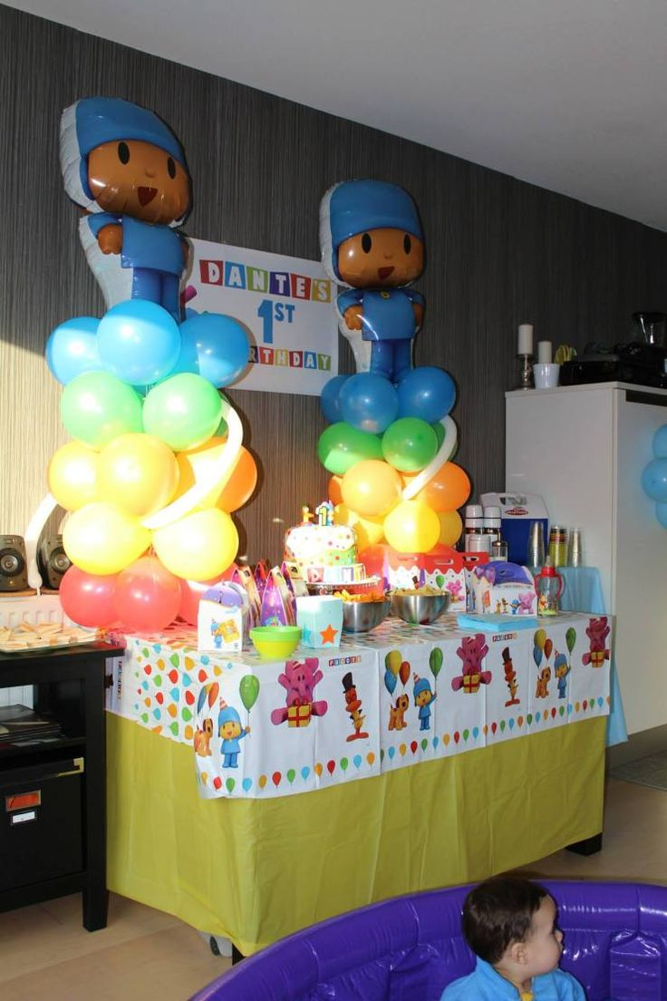 Check this amazing cake and costume of one of our favorite characters, Pocoyo!!