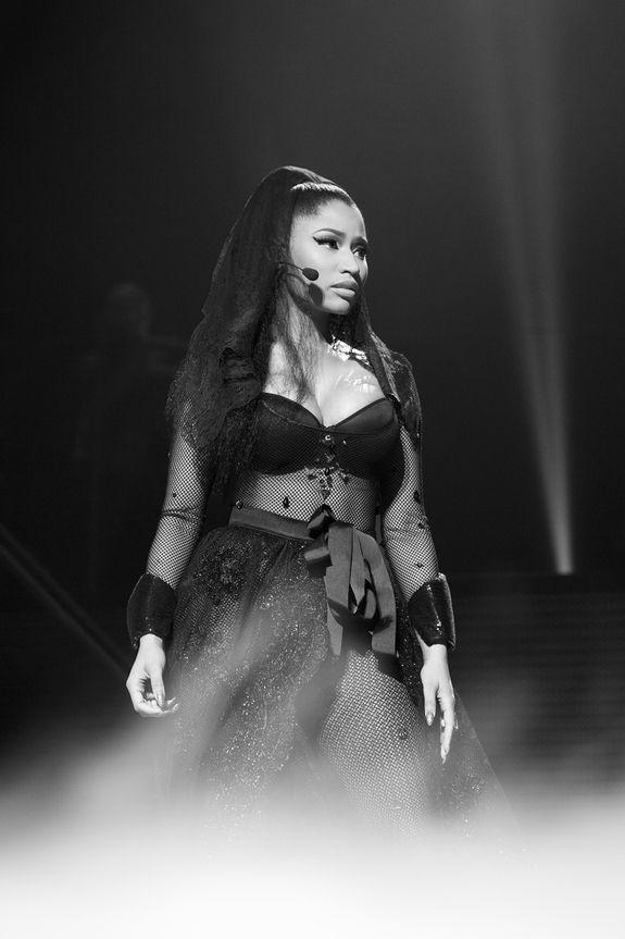 PHOTOS: Nicki Minaj takes Brussels, Belgium for 'The Pinkprint Tour.' : Nicki Minaj