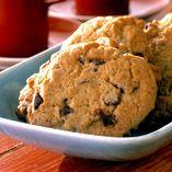Får det vara en liten kaka till kaffet? Det hederliga gamla kakfatet har fått en renässans. Mormors recept kommer till heders igen. Vi har plockat fram recept på fina småkakor.