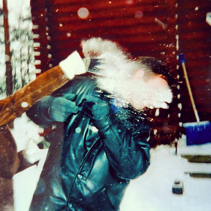...remembering my first day in Finland and the surprise 'snow baptism' I received. A rite of passage for any new arrivals here in wintertime! 😄❄ ...#finland100_igchallenge ..72/100 ... 'posting a series of random images from or associated with Finland to celebrate the country's 100th birthday! . . #tervetuloa #welcometofinland #reiteofpassage #finlandia #finland #visitfinland #lumi #snowball #surprise #finnish #välkommen #snö #sneachta #splat #flashback #winter #snowbaptism #snow #nature