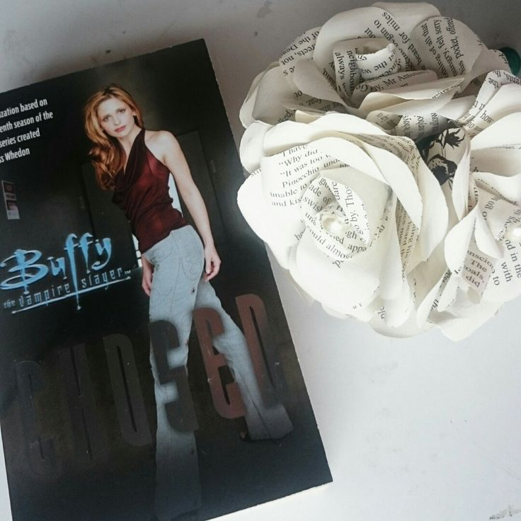 Brand New Today to Celebrate 20 yrs since it first was aired Buffy The Vampire Slayer Forever Flowers perfect gift for a fan 😀😍 #craftyjujudesigns #craftyjujusweddingtreats #buffythevampireslayer #Buffy #slayer #angel #geek #tvshow #celebrate #TV #etsy
