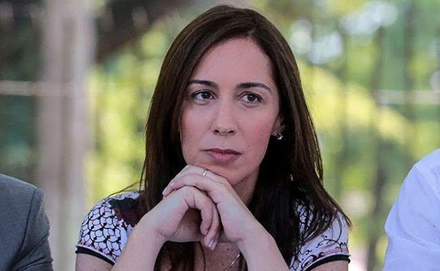 COMUNICADO FGDB: LA GOBERNADORA VIDAL DEBE DAR EXPLICACIONES   LA GOBERNADORA VIDAL DEBE DAR EXPLICACIONES Por qué redujo en un 32% el presupuesto para Educación en la Pcia. de Buenos Aires? Esa reducción es equivalente a la construcción de 1.764 Jardines de Infantes o de 998 Escuelas Secundarias. Por qué se cerró todo diálogo y negociación durante el 2016? Por qué el Gobierno NO cumple con el último Acuerdo Paritario Salarial que estableció una cláusula de reajuste salarial de acuerdo al…