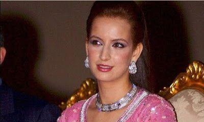 Η Βασίλισσα του Μαρόκο απέκτησε στην Τζια θερινό ανάκτορο αξίας 38 εκ. ευρώ