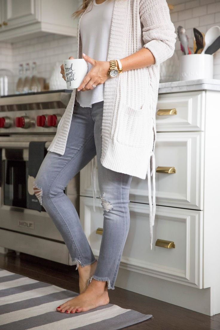 Cozy layers - long cream cardi and distressed grey skinny jeans - weekend style - white kitchen
