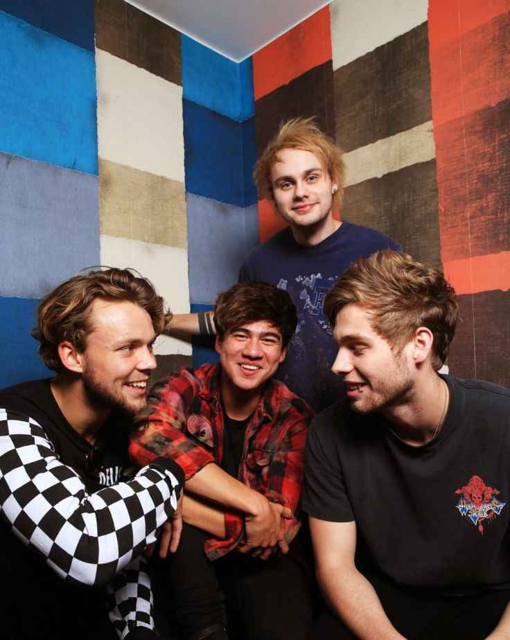 | 5SOS TEASE FANS AGAIN ABOUT NEW SINGLE GIRLS TALK BOYS ! | http://www.boybands.co.uk