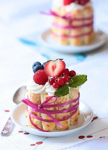 Tartelette: Toasted Coconut And Berries Charlottes
