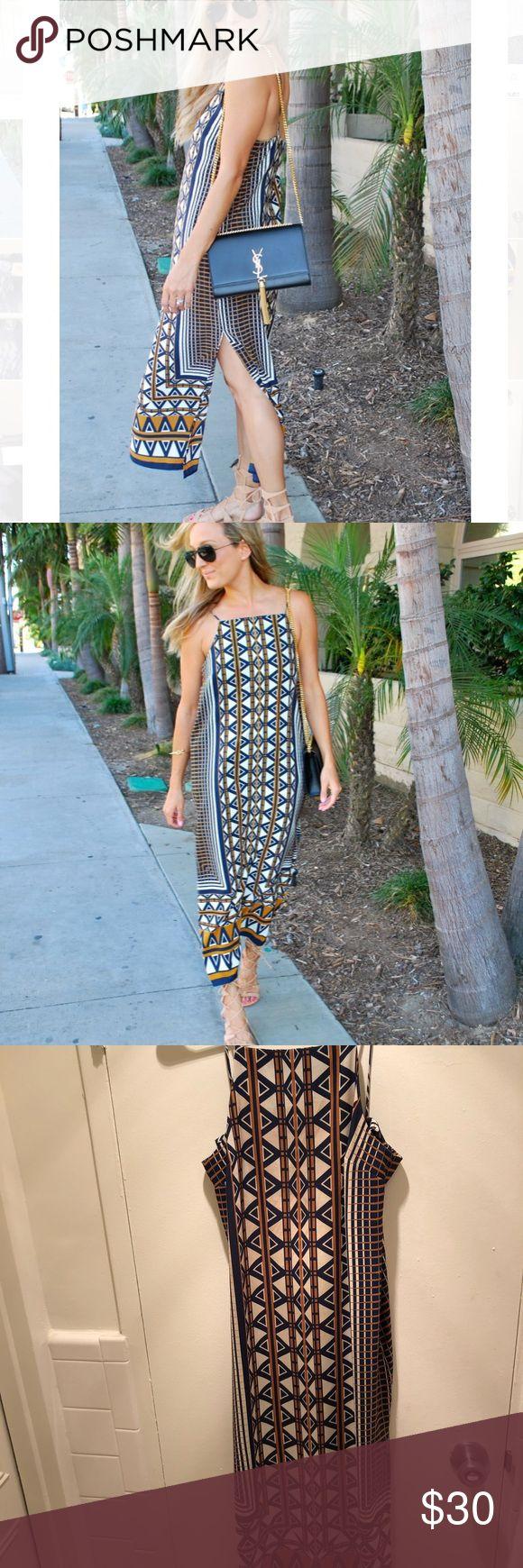 1 day sale! Topshop midi dress 🗿 EUC Topshop midi tribal pattern dress with side slits, gorgeous! 🗿 Topshop Dresses Midi