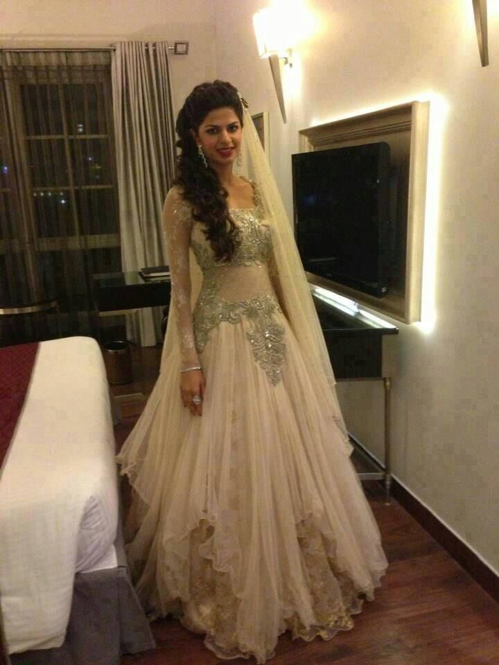 Long dresses indian weddings pictures