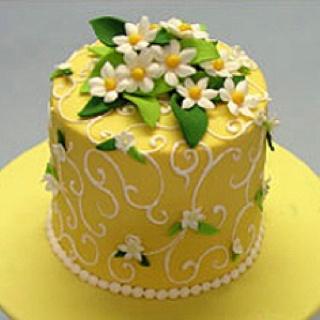 Adorable!!!: White Flower, Easter Cakes, Cakes Ideas, Spring Flower, Minis Cakes, Pretty Yellow, Cakes Decor, Yellow Cakes, Daisies Cakes