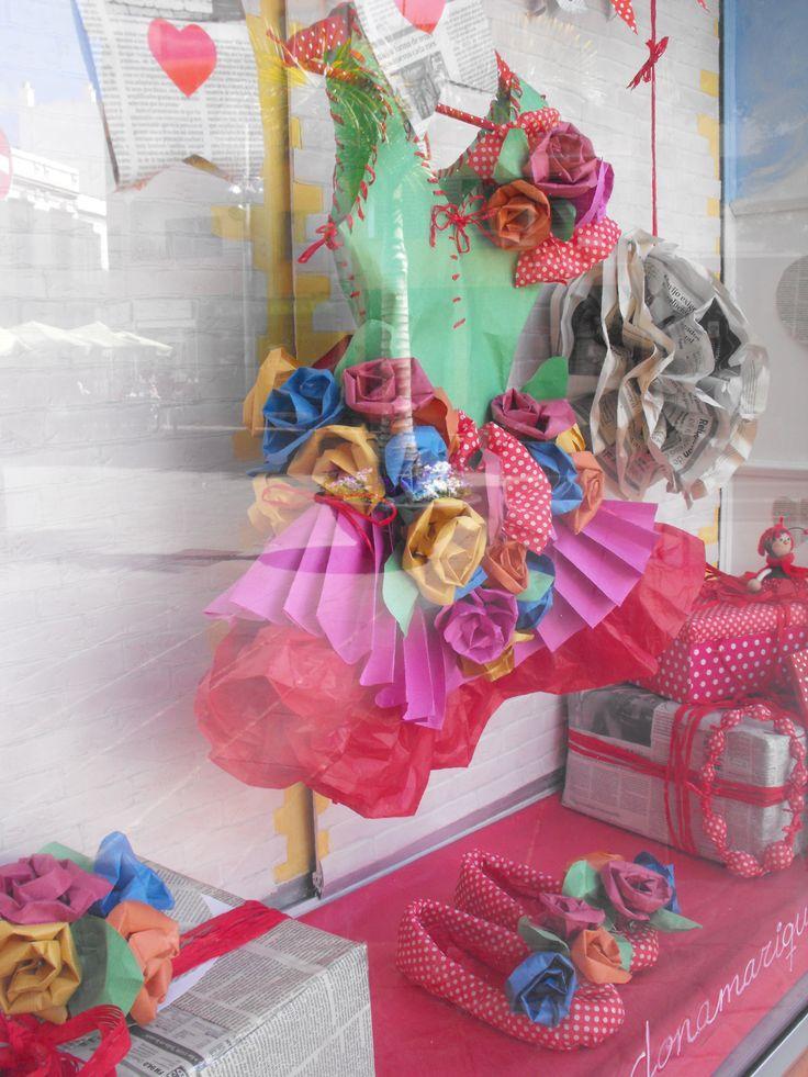 traje de carnaval de papel kraft
