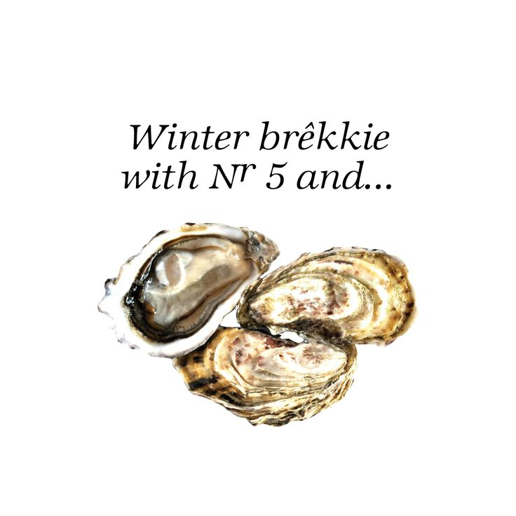 Fresh oysters and Nr 5 at the food and wine market