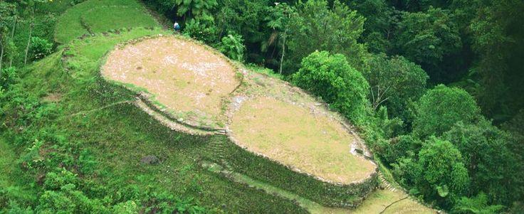 Este lugar arqueológico, está ubicado en la Sierra Nevada de Santa Marta (Declarada por la UNESCO en 1979 Reserva de la Biósfera de la Humanidad). Se encuentra entre los 900 y los mil doscientos m.s.n.m. Es el sitio arqueológico más importante y monumental de todos los encontrados hasta ahora ... http://wp.me/p39G7o-1Q