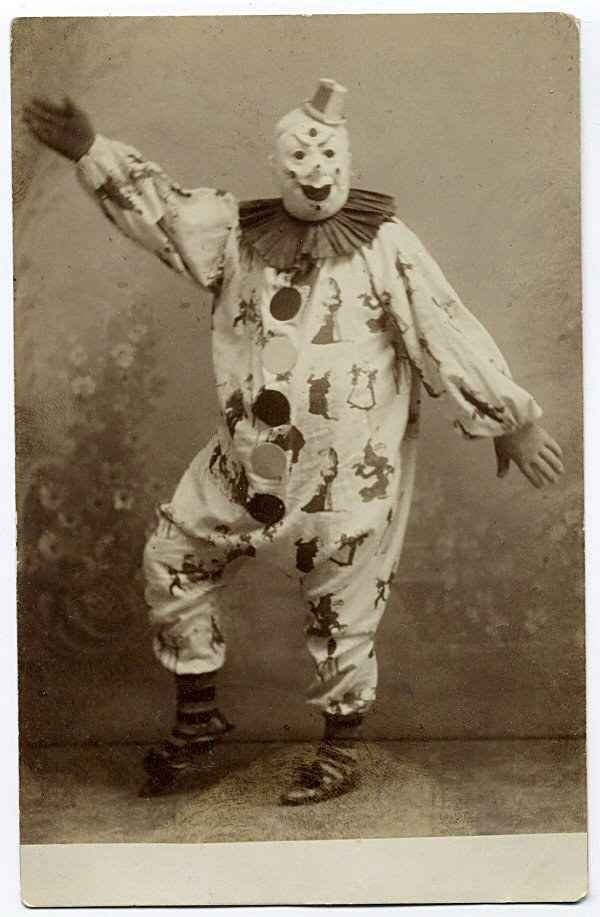 21 Vintage Clown Photos That Will Make Your Skin Crawl | 21 Vintage Clown Photos…