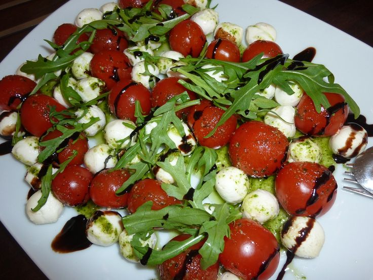 My Italian food love affair continuous with this cheery tomato, garden herbs and vegan cheese caprise salad recipe, yum!