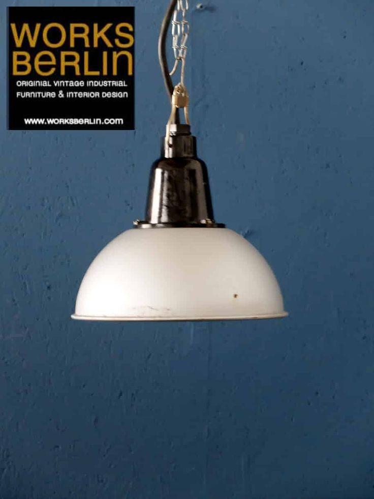 vintage fabriklampen, alte fabriklampen, industrielampen alt, vintage industrieleuchten - jetzt bei worksberlin.com kaufen