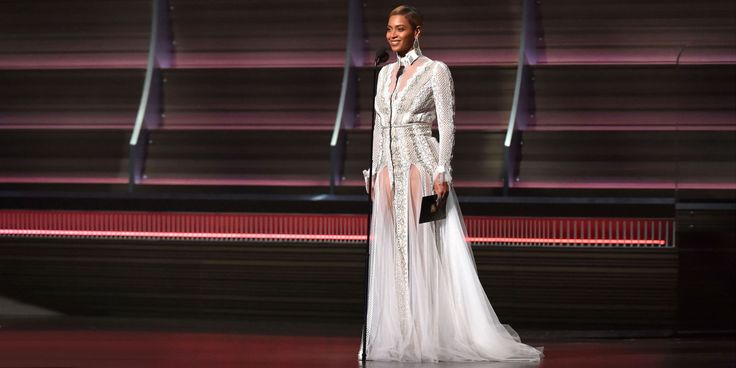 Beyoncé Casually Wore a Wedding Dress to the Grammys  - ELLE.com