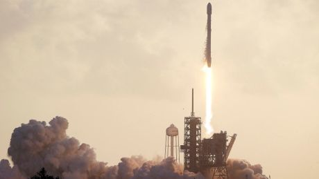 SpaceX successfully launches secret government spy ...