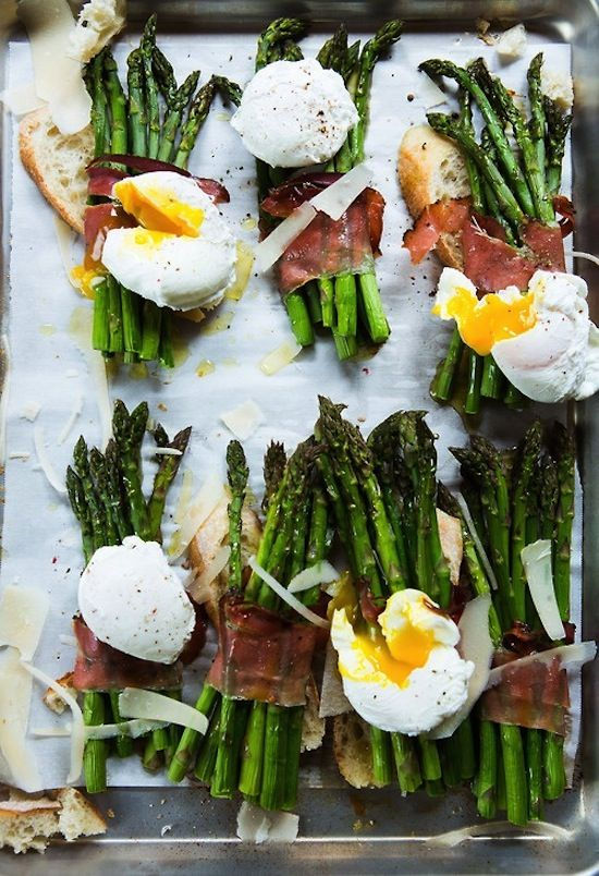 1432 - ASPARAGUS WITH EGG, SPECK (PROSCIUTTO) + PARMESAN