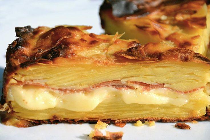 Recette de gâteau invisible raclette au Thermomix TM31 ou TM5. Préparez ce plat principal en mode étape par étape comme sur votre Thermomix !