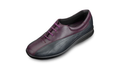 wide fitting shoes     http://www.drfoot.co.uk/acatalog/Rosie.html#