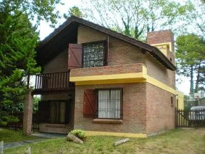Alquiler Chalet Para 8 Personas /barrio Norte-villa Gesell