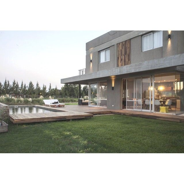 """A good laugh is sunshine in the house"" - William Makepeace Thackeray #architecture #arsitektur #house #rumah #desainrumah #housedesign #modernhouse #rumahmodern #modernarchitecture #arsitekturmodern #garden #taman"