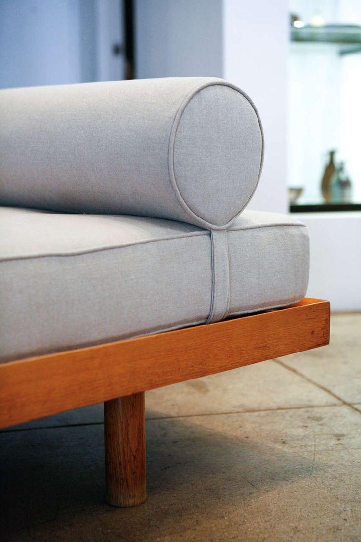 Best 25+ Corbusier liege ideas on Pinterest   Midcentury chaise ...