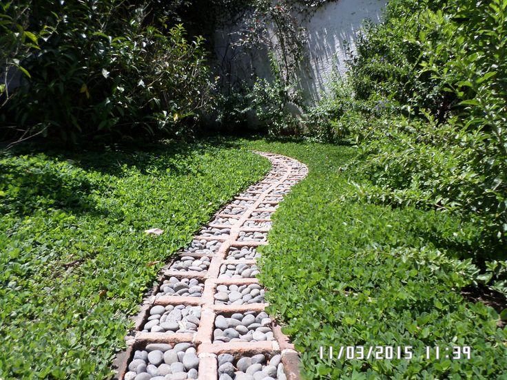 M s de 25 ideas incre bles sobre camino de ladrillo en for Caminos en jardines