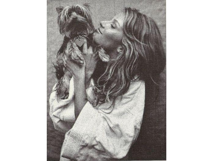 Aos 14 anos de idade, morre cachorra de Gisele Bündchen - Bichos - R7