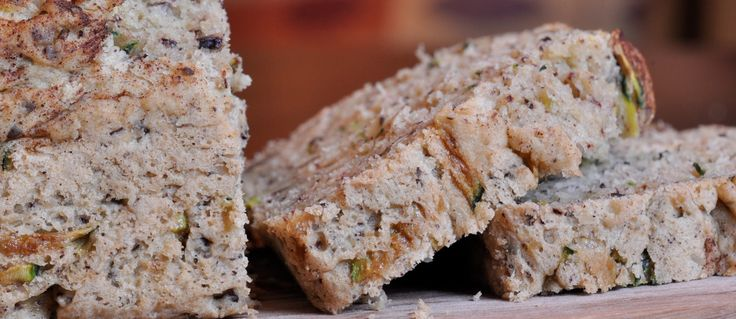 GlutenFree Eat-Your-Veggies Zucchini Bread! Made with split pea puree, but you don't have to tell the kids! Total yum! :)Zucchini Breads, Glutenfree Eating Your Veggies, Aka Peas Pow, Free Recipe, Peas Pow Zucchini, Gluten Free, Eating Your Veggies Zucchini, Favorite Recipe, Breads Aka