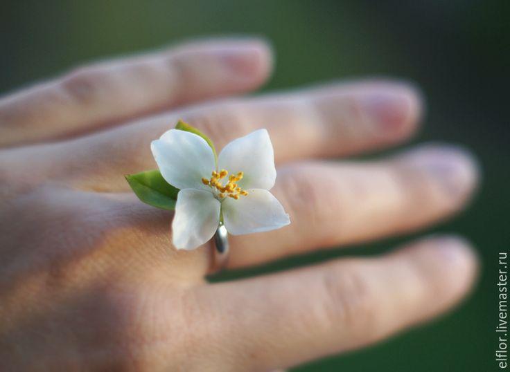 Купить Кольцо с цветком жасмина из полимерной глины - цветы из полимерной глины, бижутерия с цветами