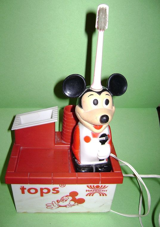 MICKEY MOUSE  70s Walt Disney Harbert  battery operated - electric toothbrush used rare
