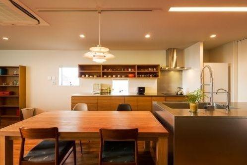 川沿いの家 川沿いの家|重量木骨の家 選ばれた工務店と建てる木造注文住宅