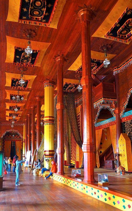 Minang interior: Istano Basa Pagaruyung (Pagaruyung Grand Palace) is the legacy of such a history – despite the palace having to be rebuilt several times due to natural disasters and accidents. (Photo by Raditya Margi)