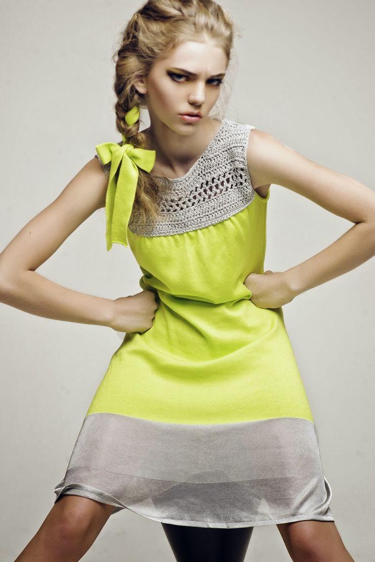 Ekaterina Kukhareva: Spring Summer 2012. Crochet and Fabric. http://www.kukhareva.com/images/9_4211.jpg        ♪ ♪ ... #inspiration_crochet #diy GB http://www.pinterest.com/gigibrazil/boards/
